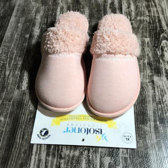 Isotoner Women's Slippers NWT